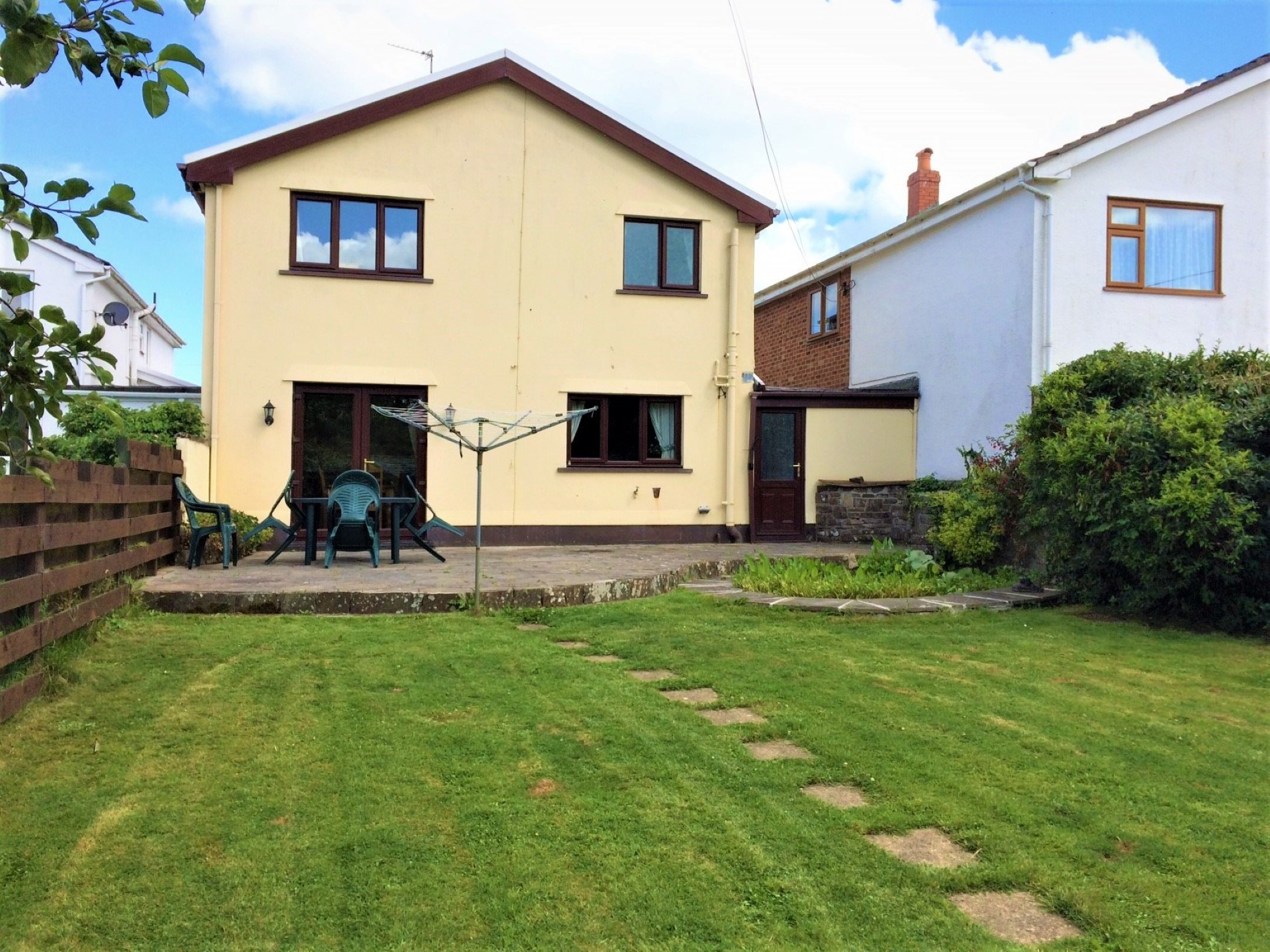 3 Bedroom Cottage in Tenby, Mid Wales