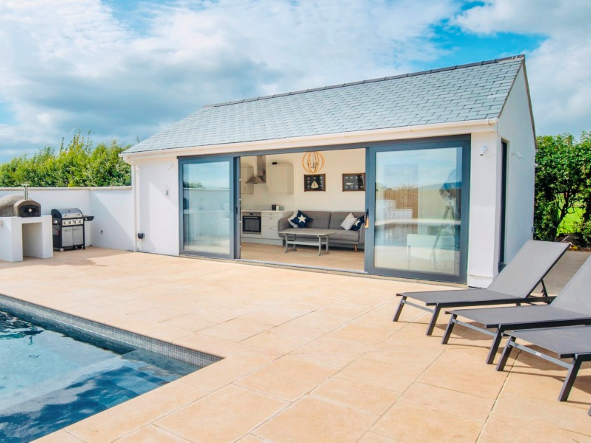 6 Bedroom Cottage in Taunton, Dorset and Somerset