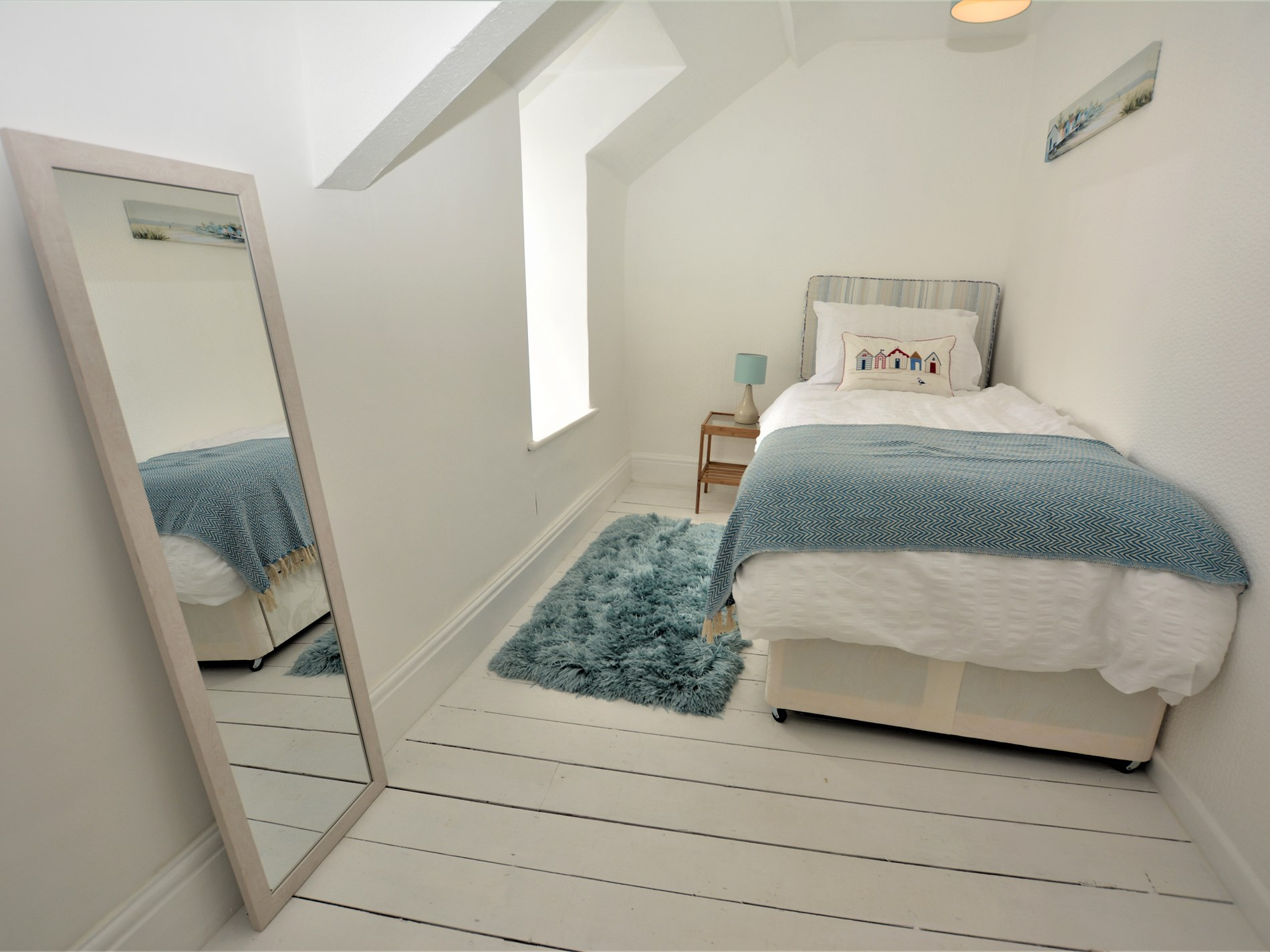 2 Bedroom Cottage in Pwllheli, Snowdonia, North Wales and Cheshire