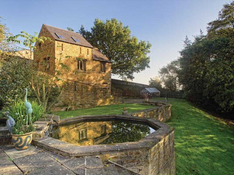 Beautiful detached cottage