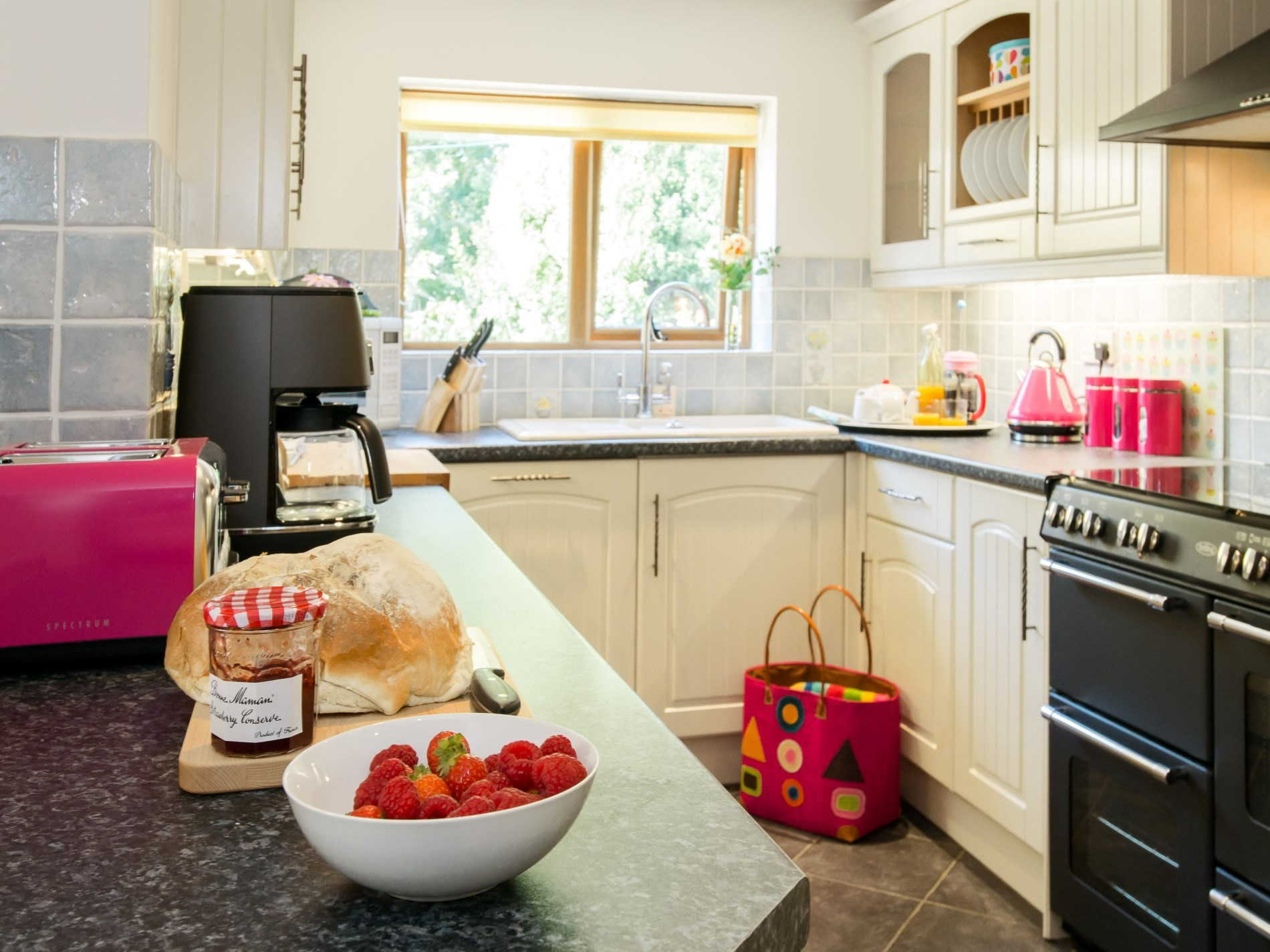 Pretty kitchen perfect for a bake off!