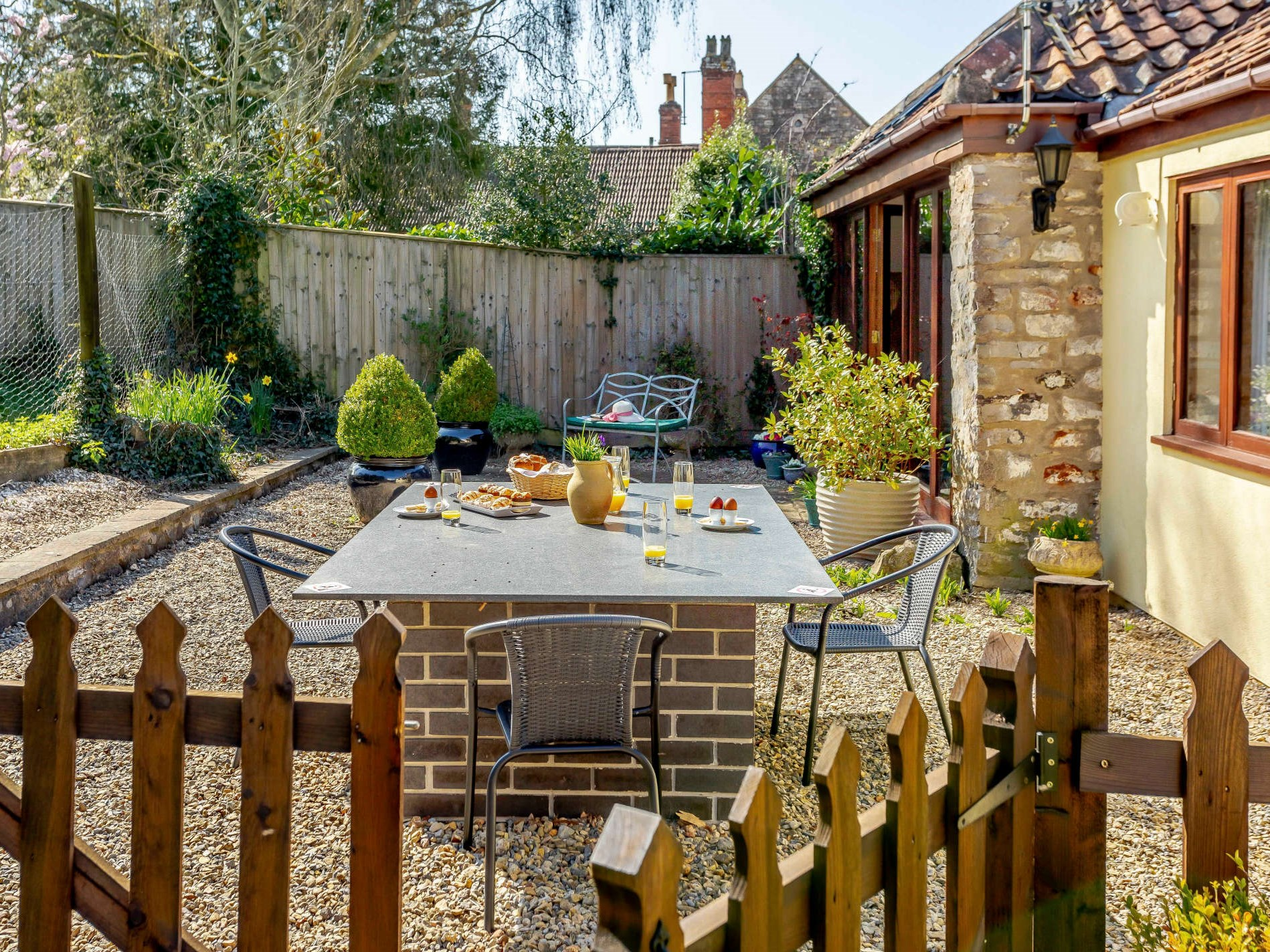 2 Bedroom Cottage in Wells, Dorset and Somerset