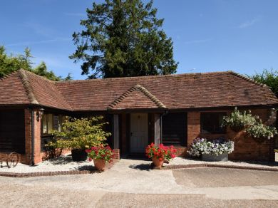 Wren's Cottage Hurst (46339)