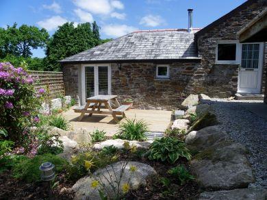 Valley Cottage (04653)
