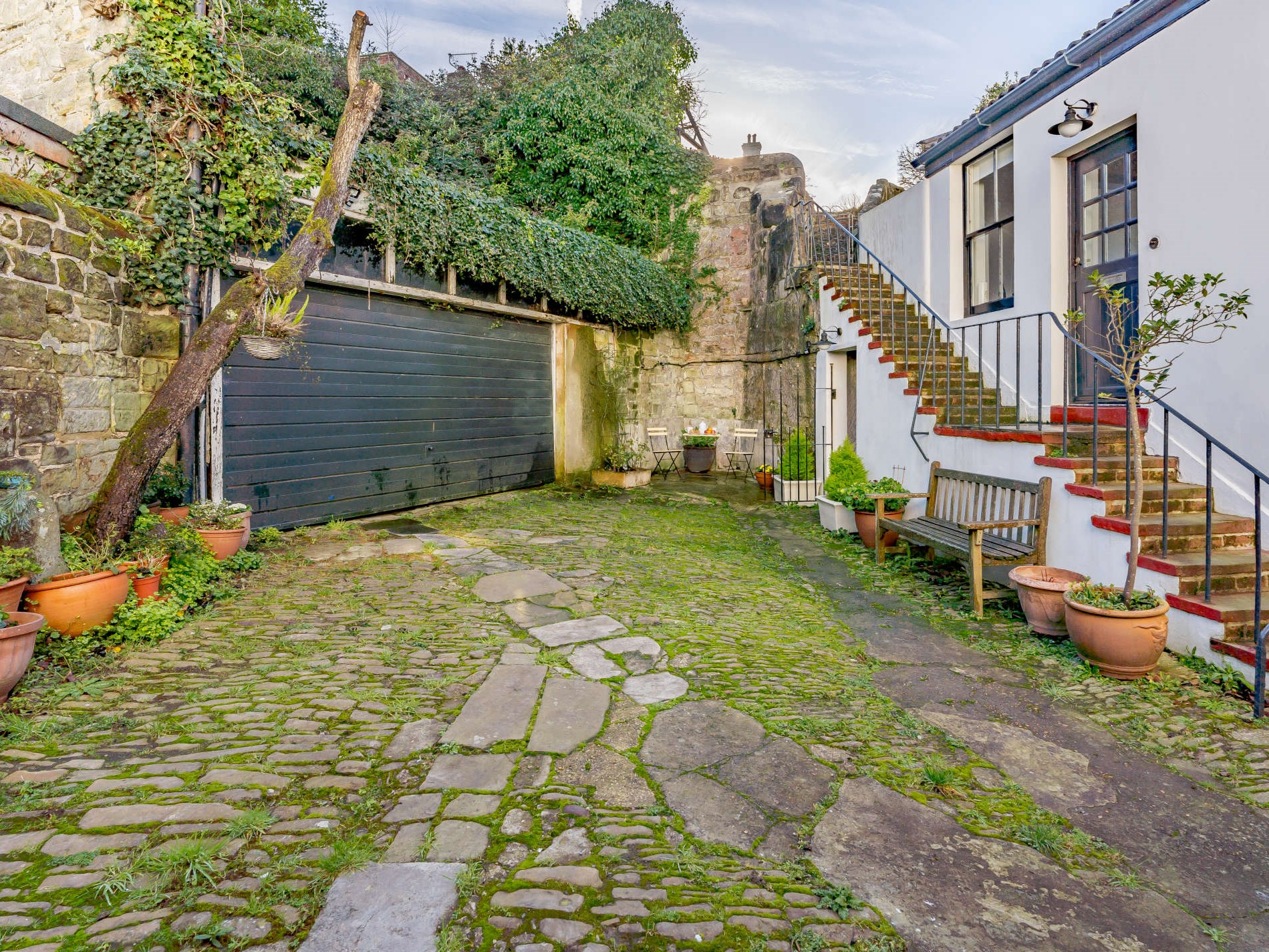 3 Bedroom Cottage in Sussex, South of England