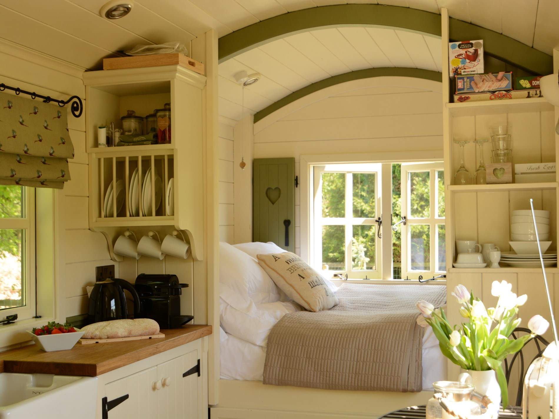 Well appointed shepherd's hut