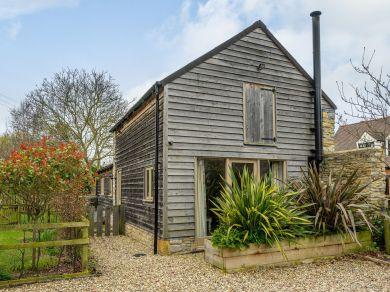 Walnut Barn (48147)