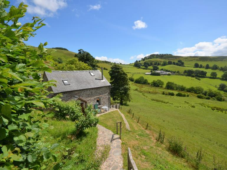 Delightful cottage off the beaten track, set in beautiful countryside