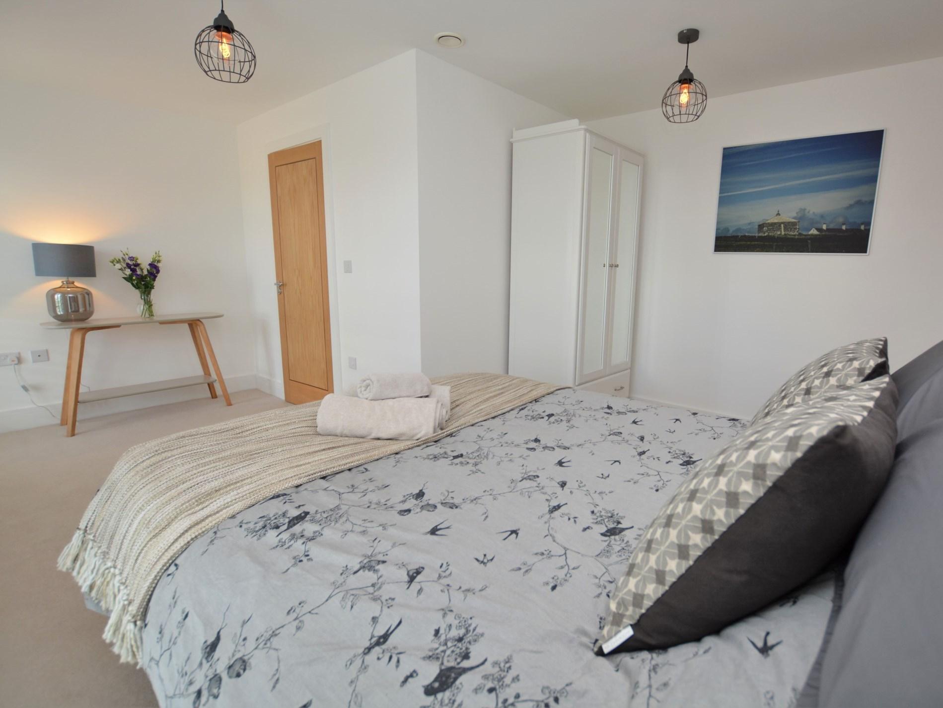 King-size bedroom with en-suite