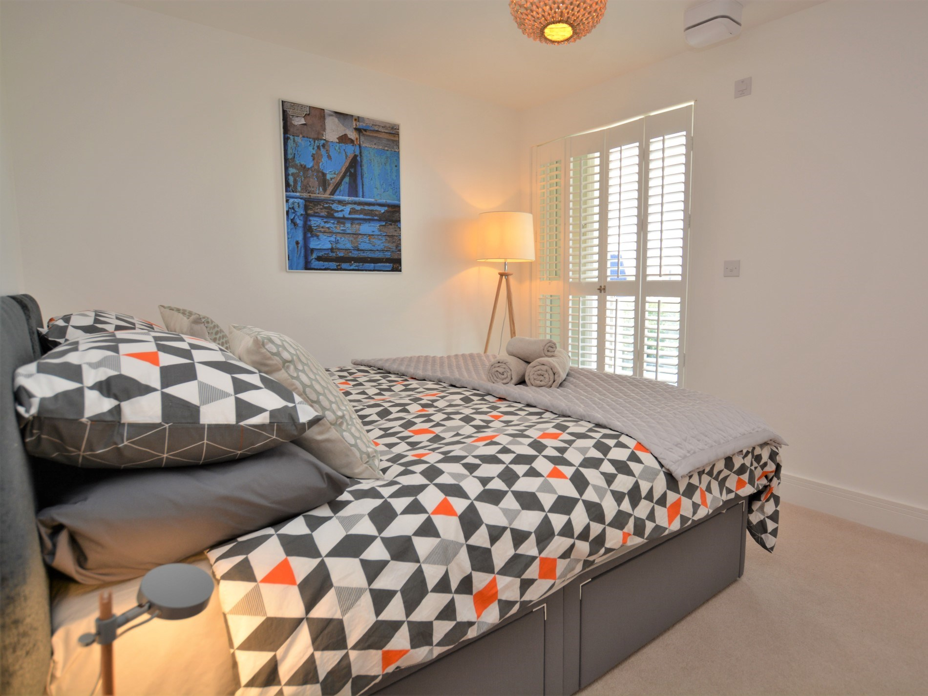 Twin bedroom with zip-and-link beds which can be a super king-size