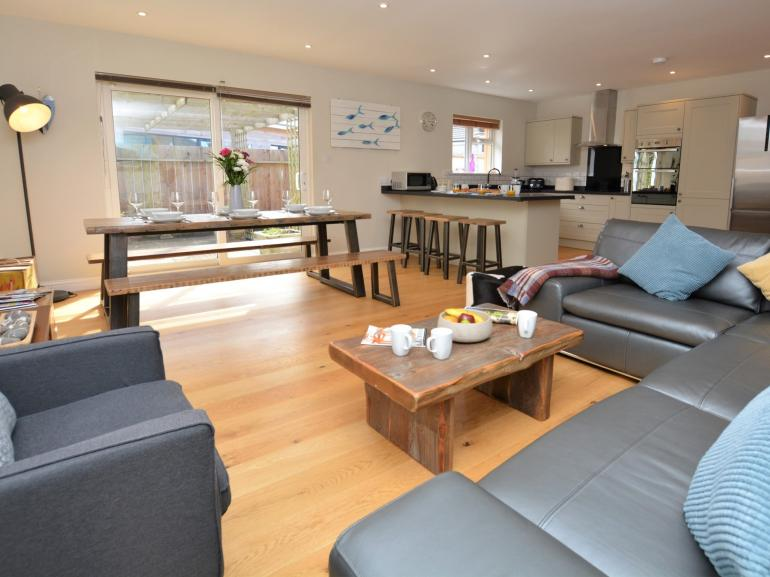 Open plan bright and spacious living area
