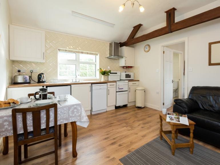 Bright open-plan lounge/kitchen/diner
