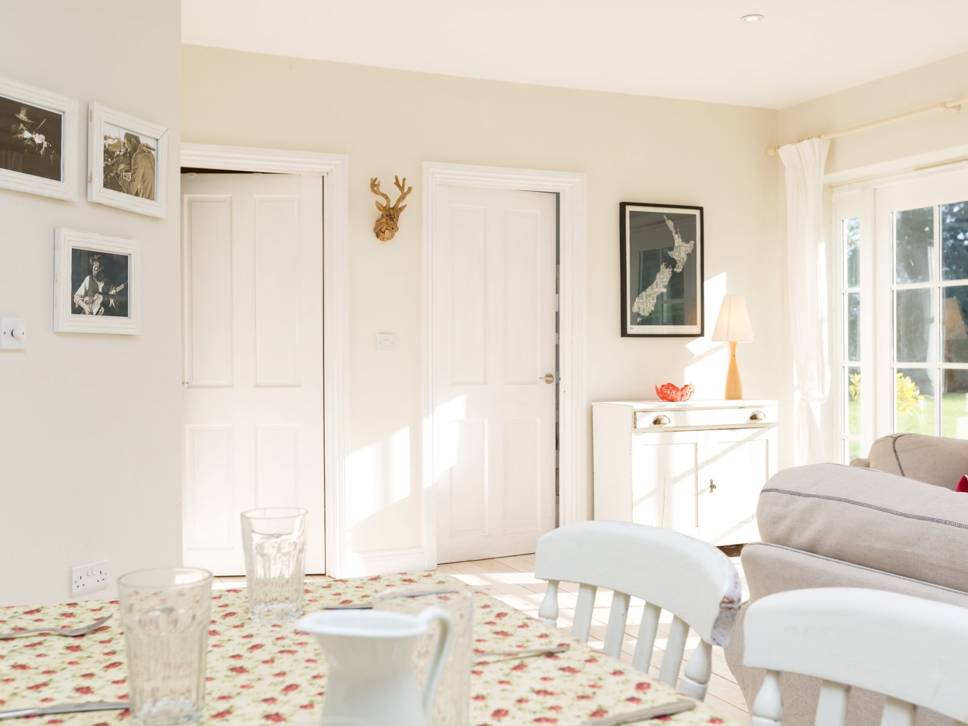Light and airy living