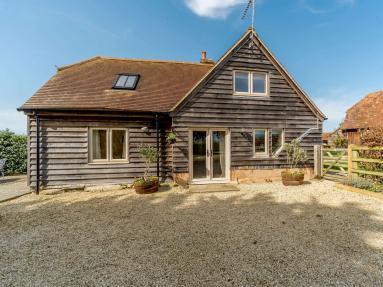 Sparrow Hawk Cottage (CC068)