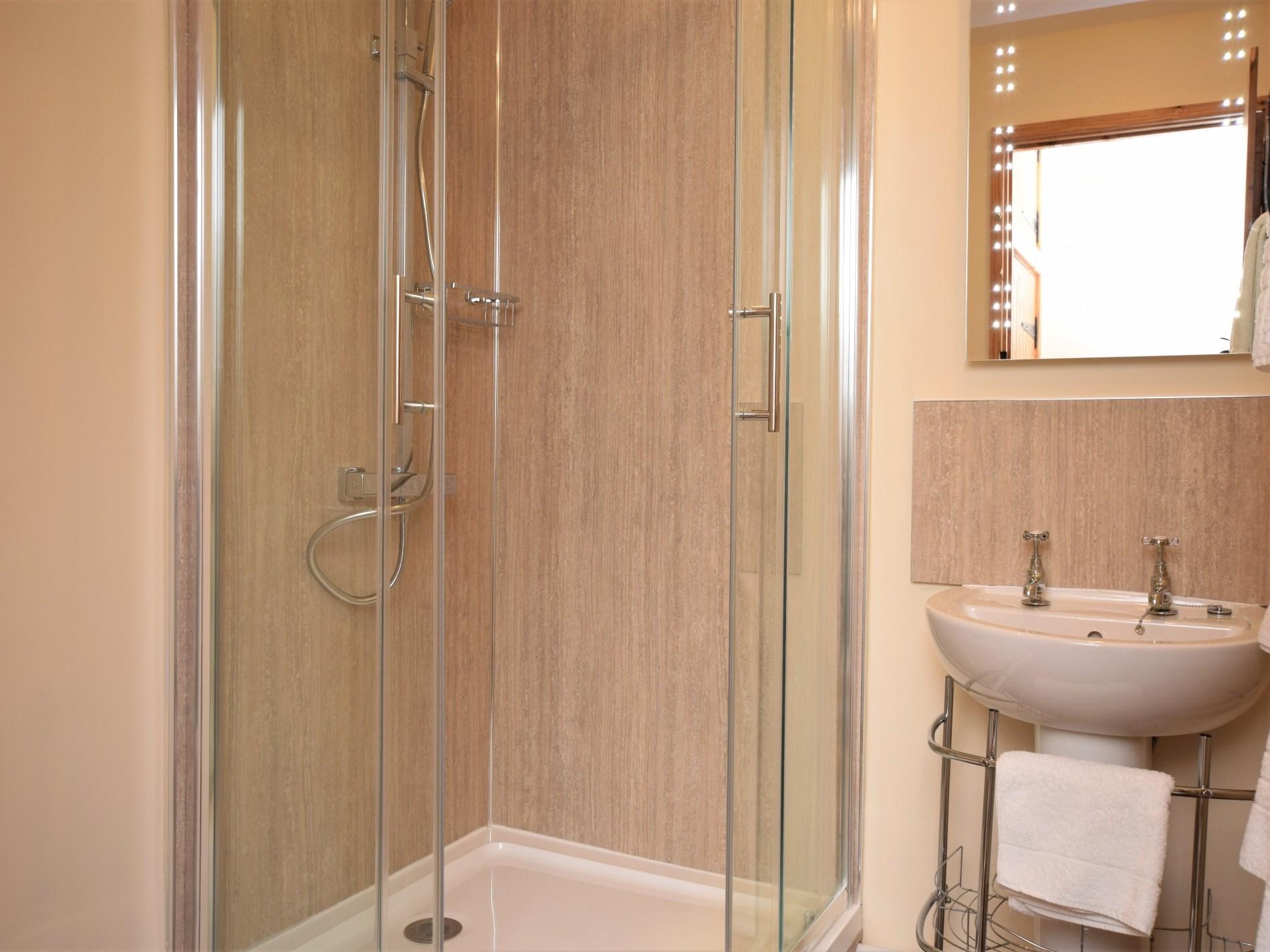En suite shower room to double bedroom
