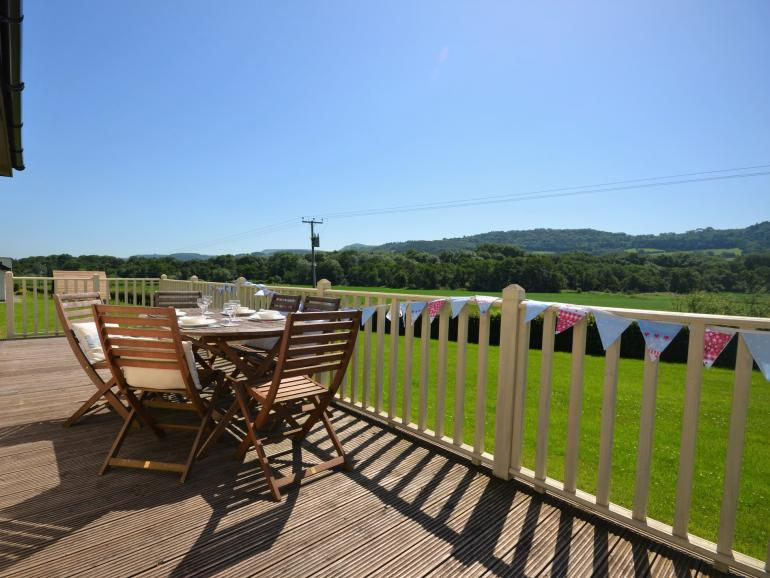 Fabulous family cottage with spectacular rural views