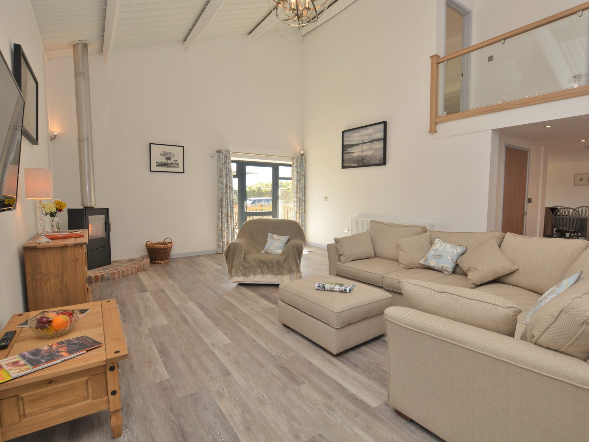 3 Bedroom Cottage in Blandford Forum, Dorset and Somerset