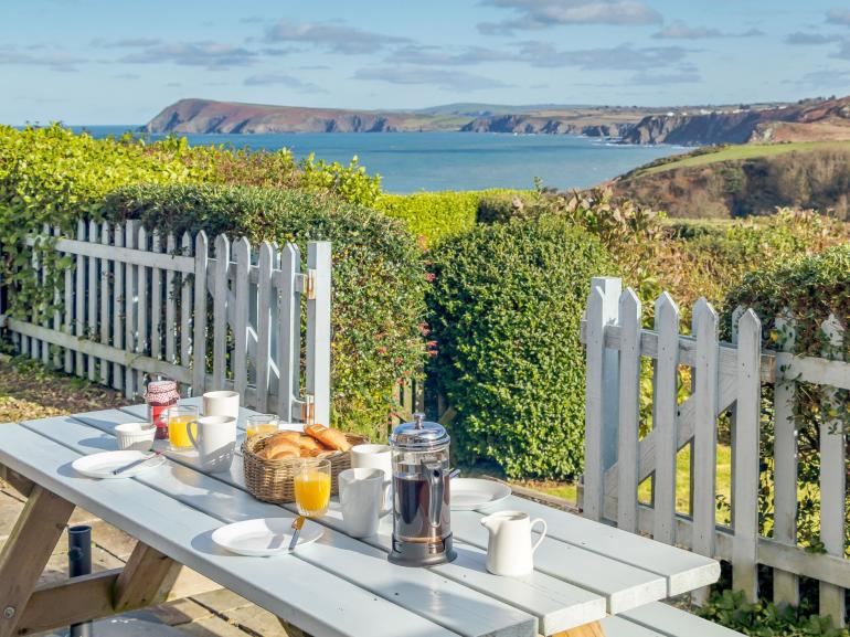 Lampit Cove Cottage with views of North Pembrokeshire coast