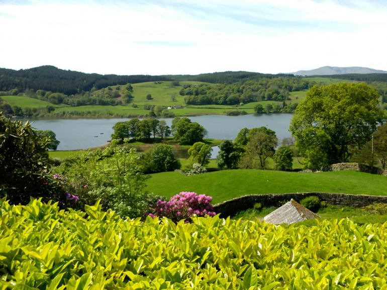Surrounding gardens and views