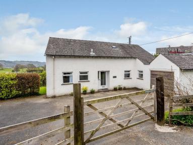 Black Fell Cottage (LLH55)
