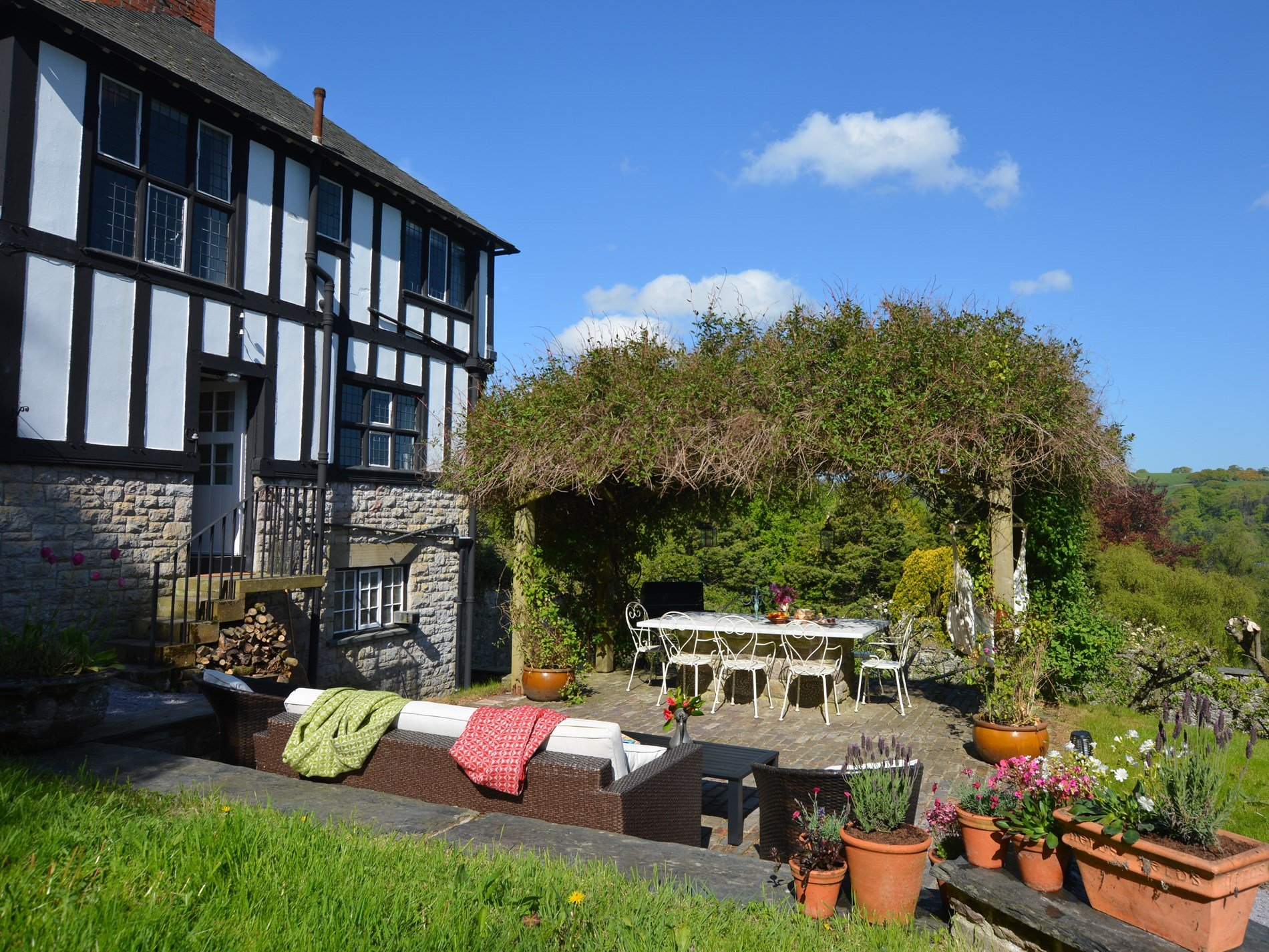 4 Bedroom Cottage in Colwyn Bay, Snowdonia, North Wales and Cheshire