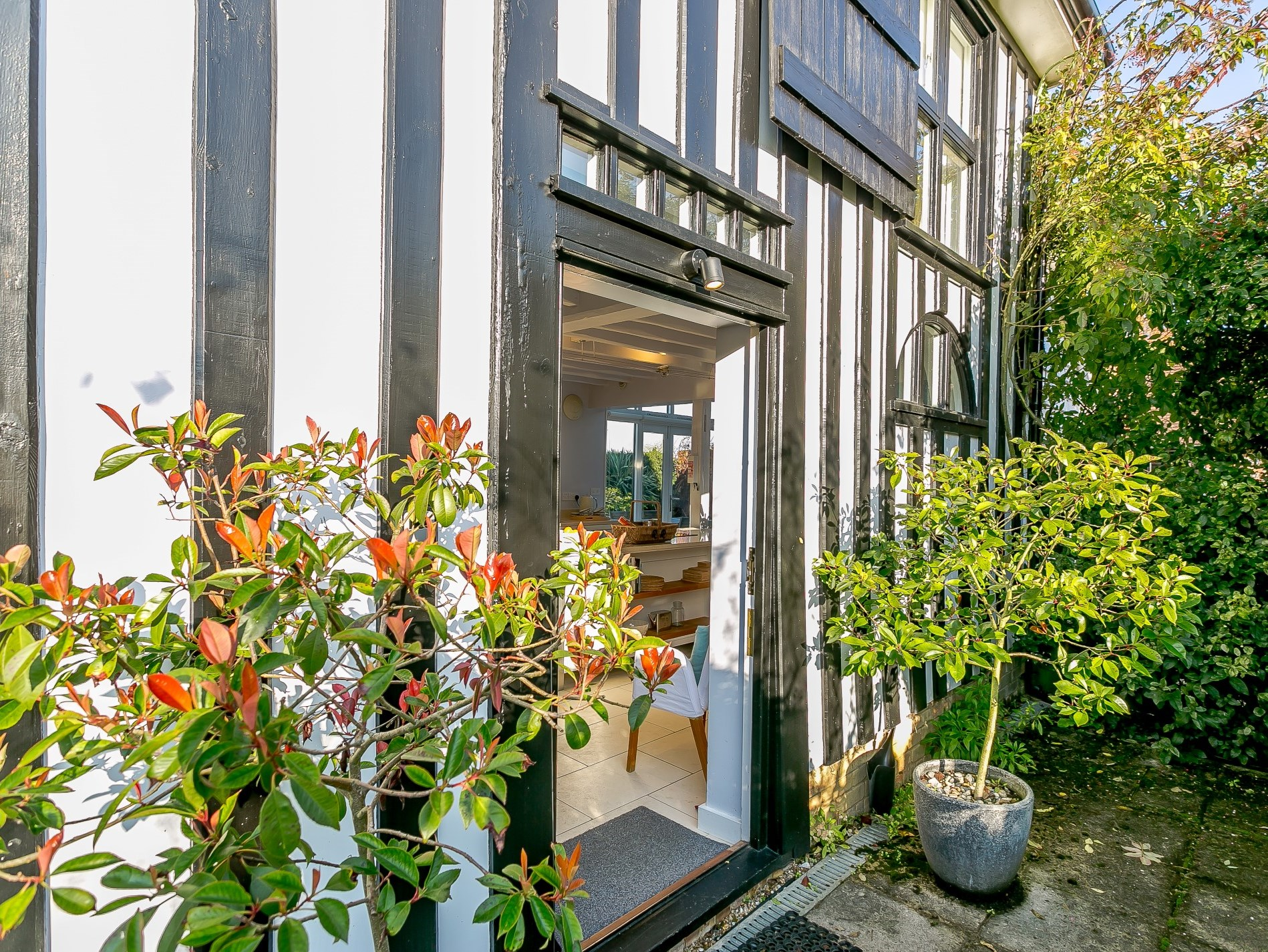 Beautifully refurbished property in picturesque rural setting