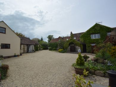 Orchard Farm Wedmore - Hangy - Down (51338)
