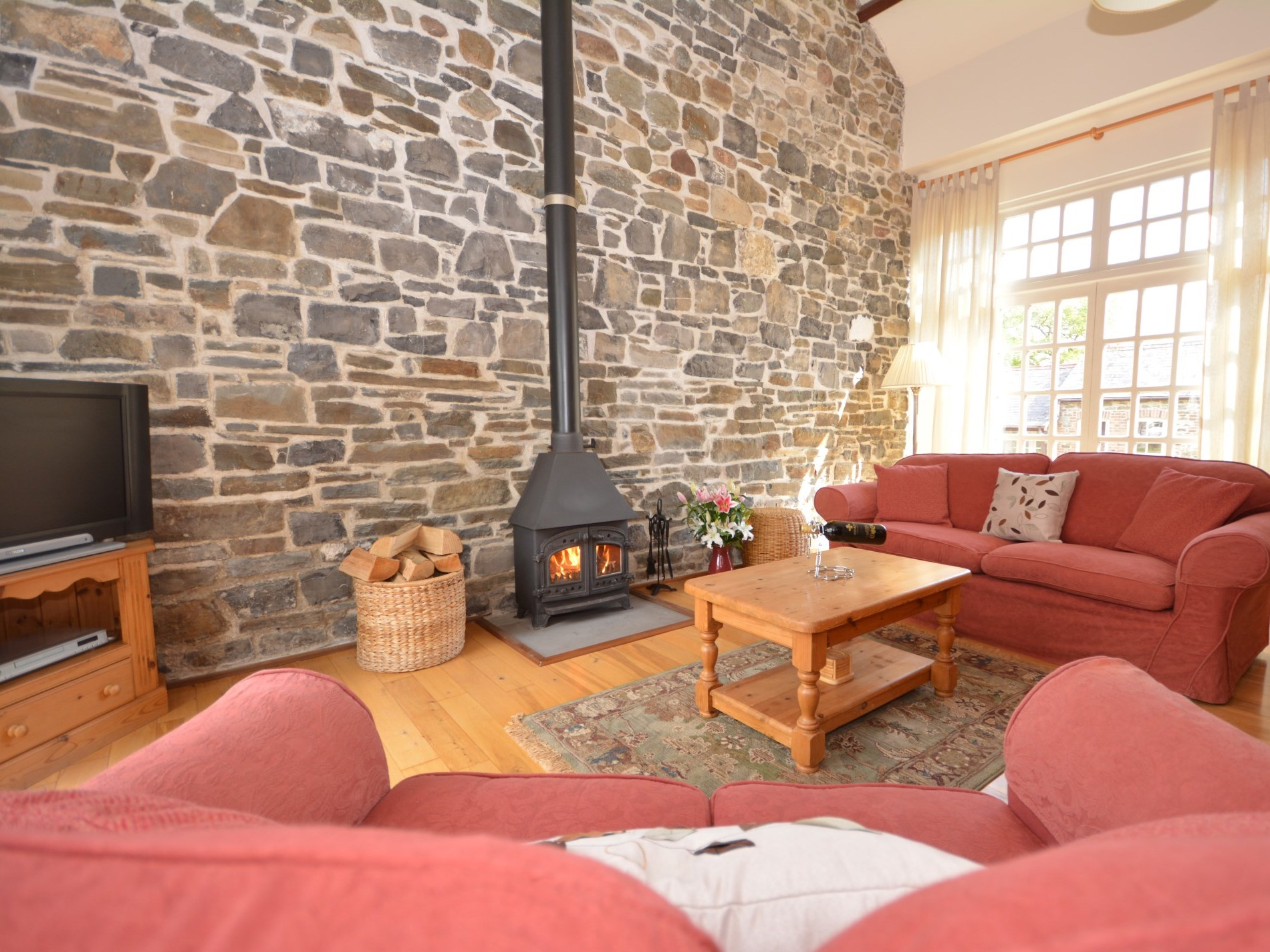 1 Bedroom Cottage in Carmarthen, Mid Wales