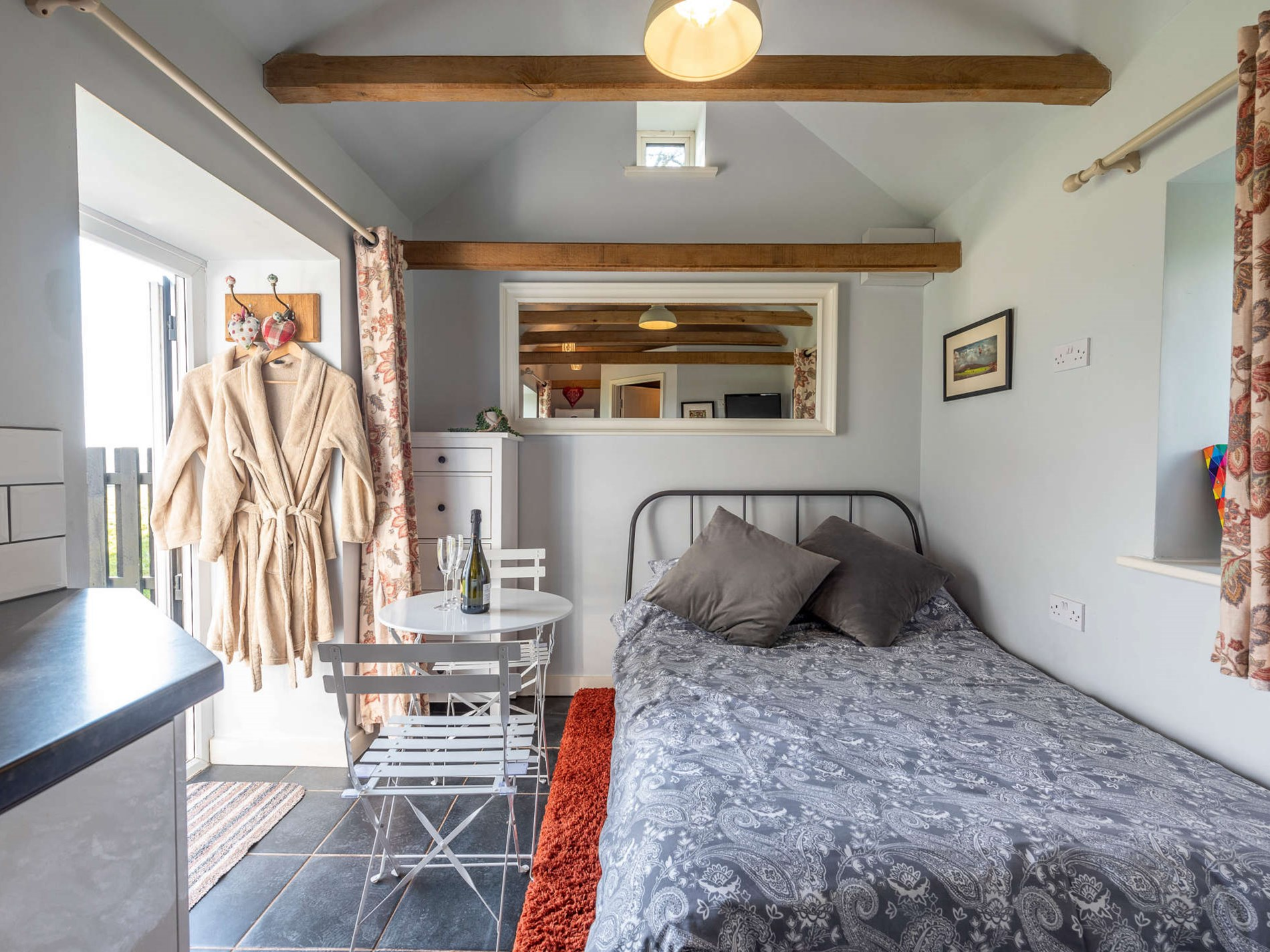 1 Bedroom Barn in Shropshire, Pembrokeshire and the South