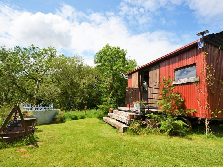 Gorgeous shepherds hut offering a holiday to remember