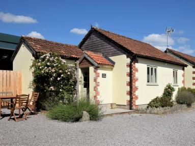 Rose Cottage At East Hill (52105)