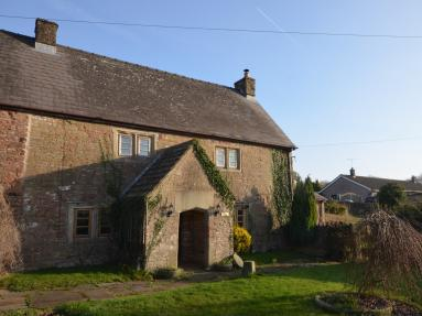 Court Farm House (52148)