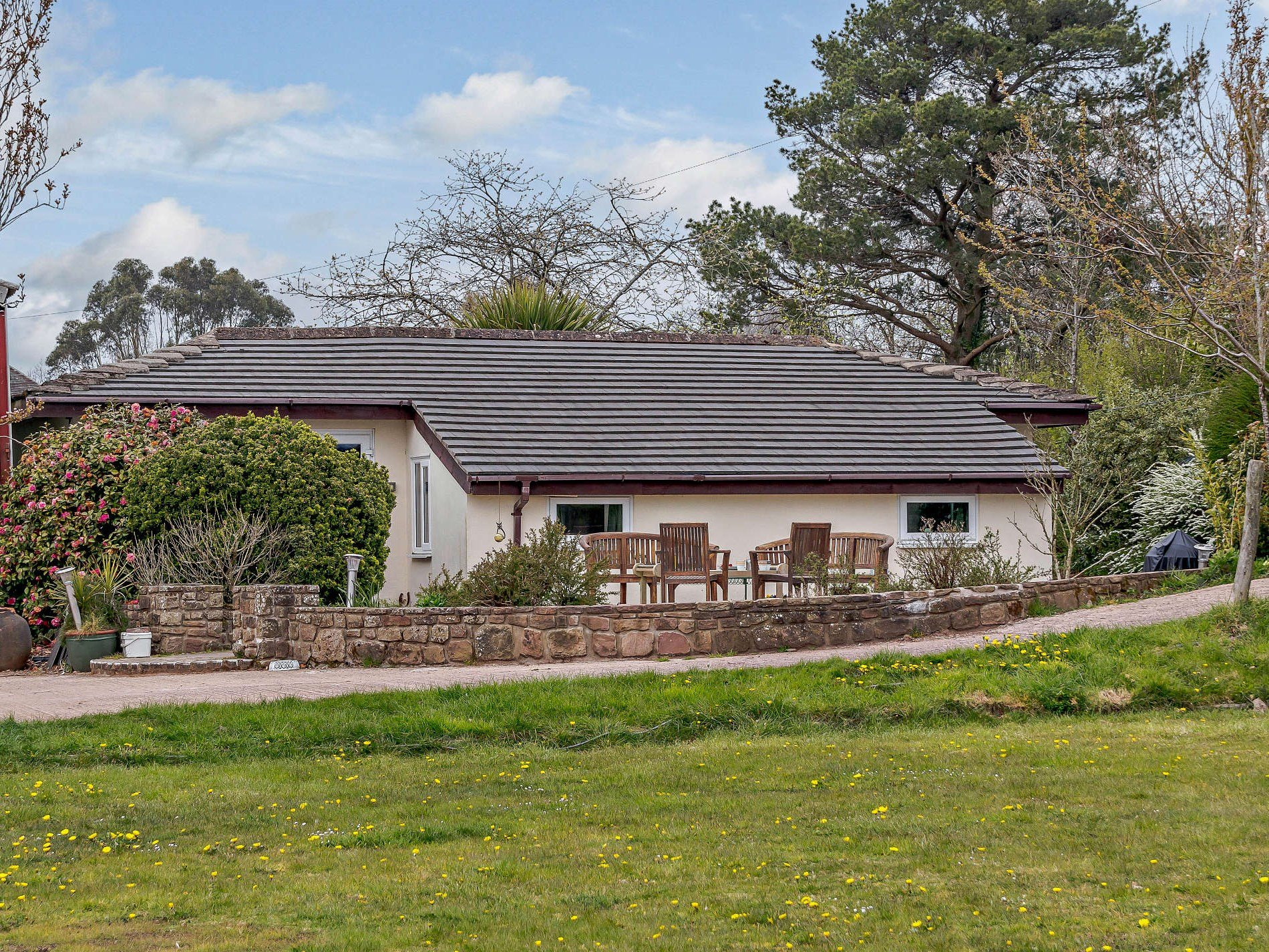 3 Bedroom Bungalow in Herefordshire, Pembrokeshire and the South