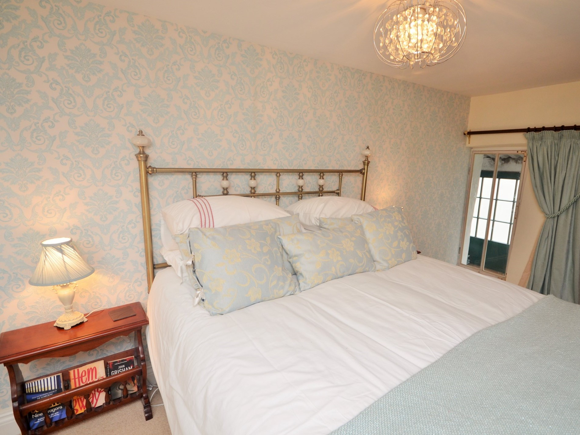 King-size bedroom with access to first floor cosy sun room