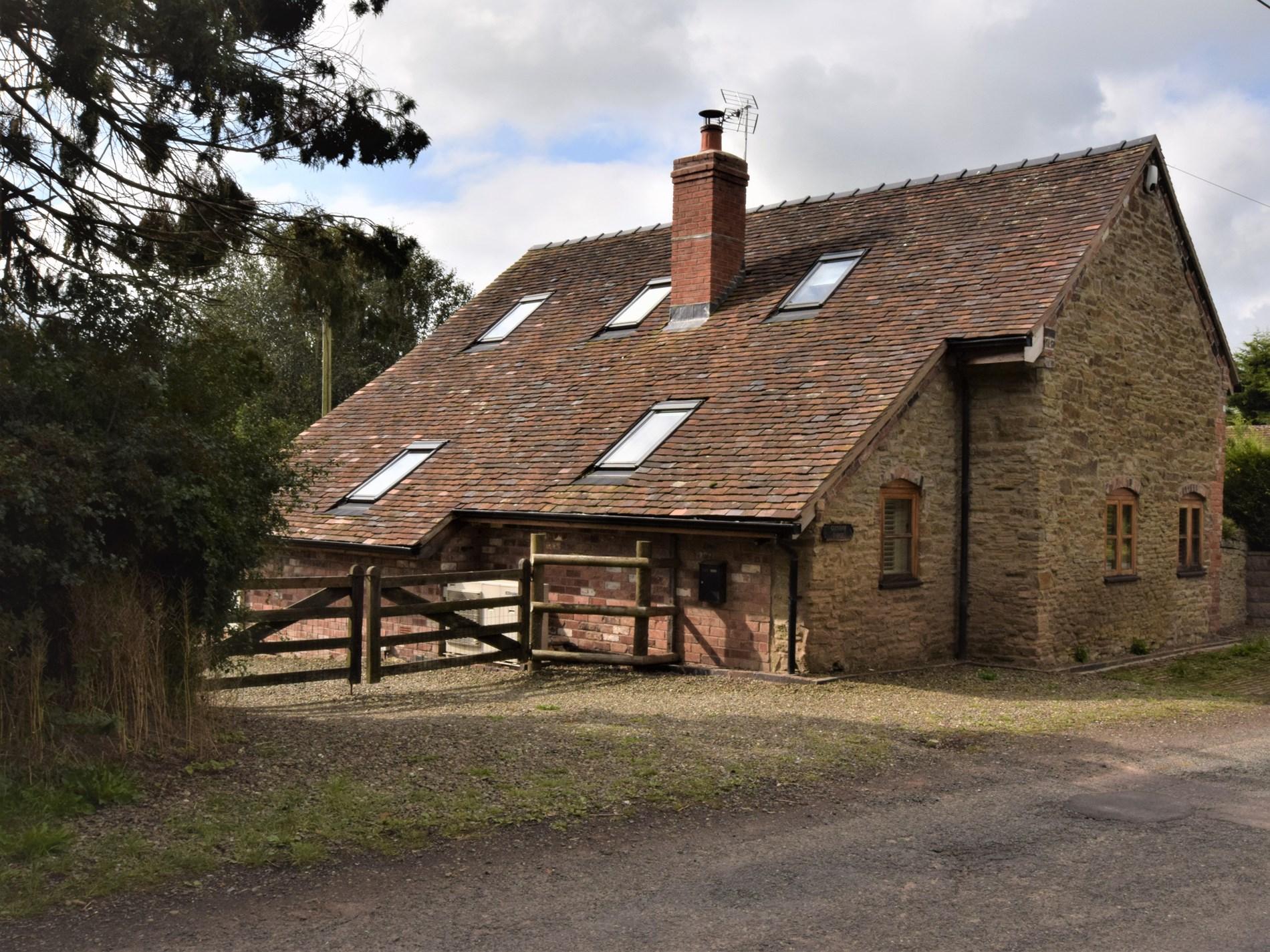 2 Bedroom Barn in Shropshire, Heart of England