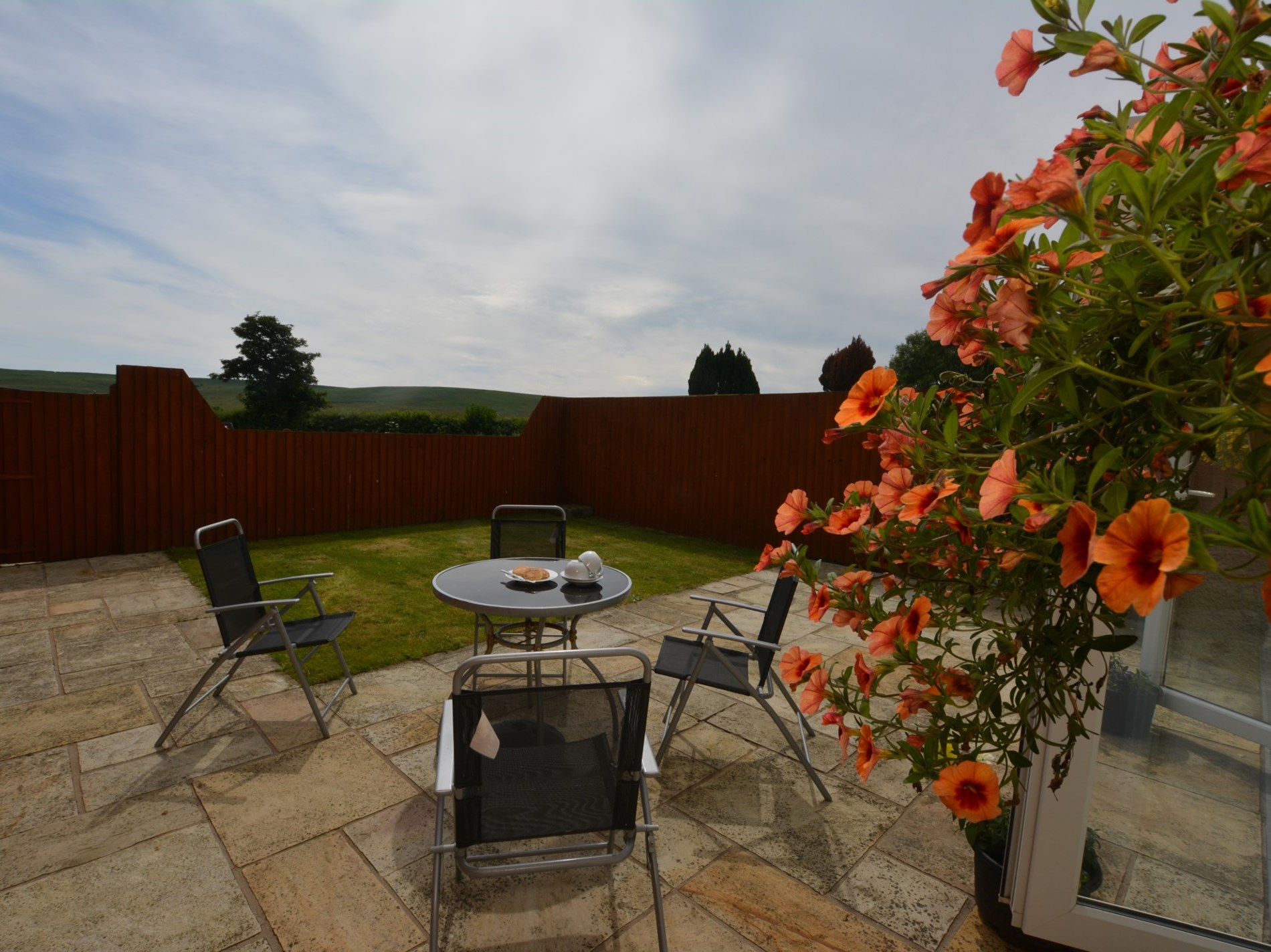 1 Bedroom Cottage in Swansea, Pembrokeshire and the South