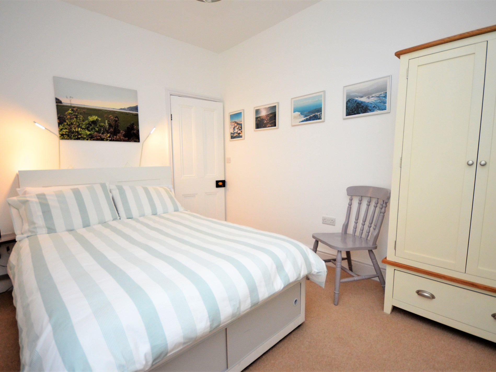4 Bedroom Cottage in Fairbourne, Snowdonia, North Wales and Cheshire