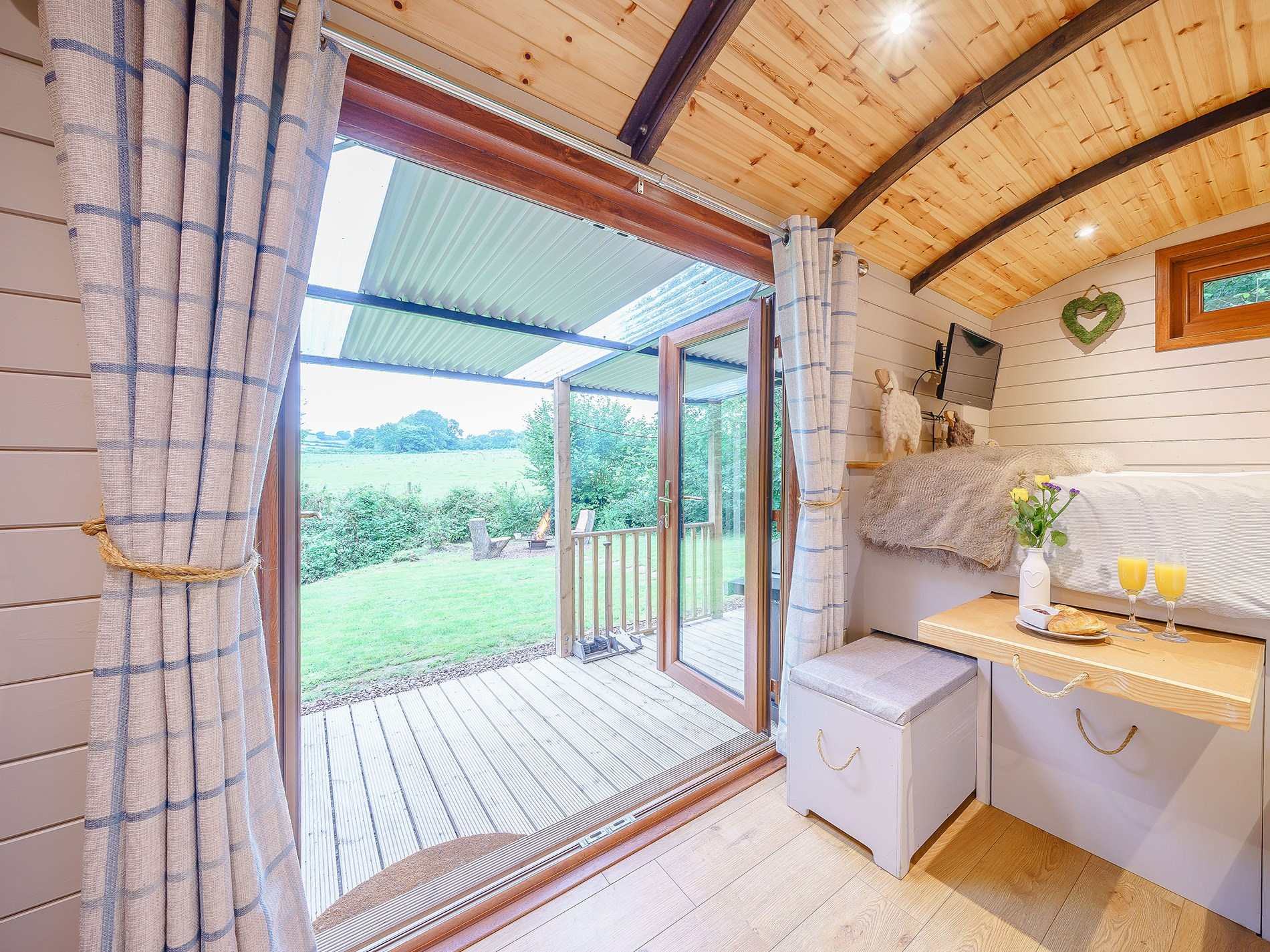 1 Bedroom Cottage in Abergavenny, Pembrokeshire and the South