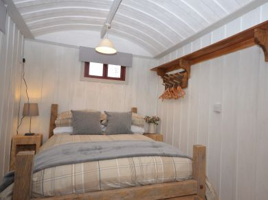 Shepherd Hut At West Farleigh (53296)