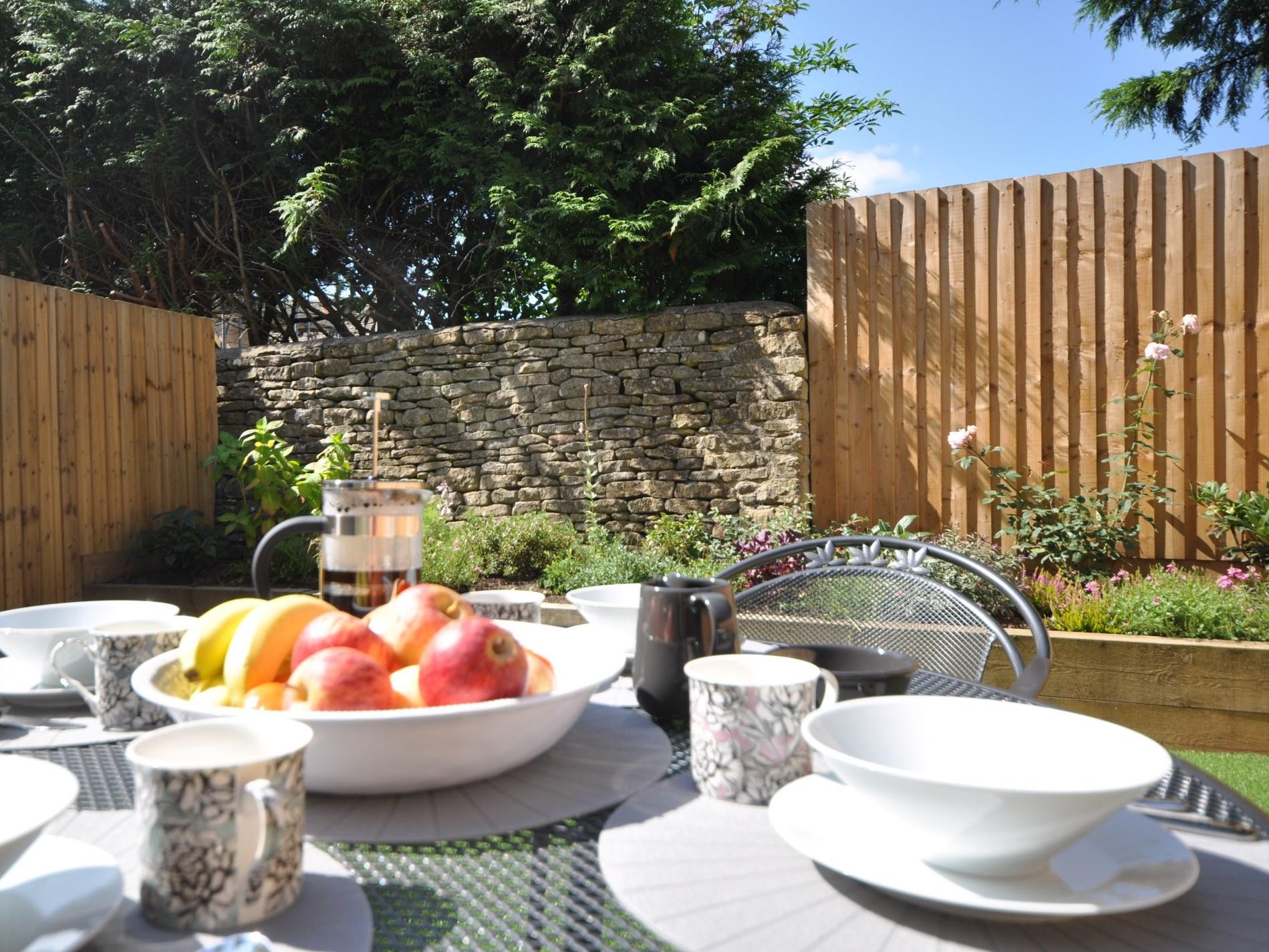 Breakfast in the gardens