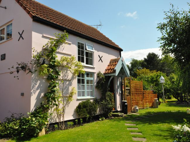 Beautiful cottage set in a peaceful location, perfect for a romantic break away
