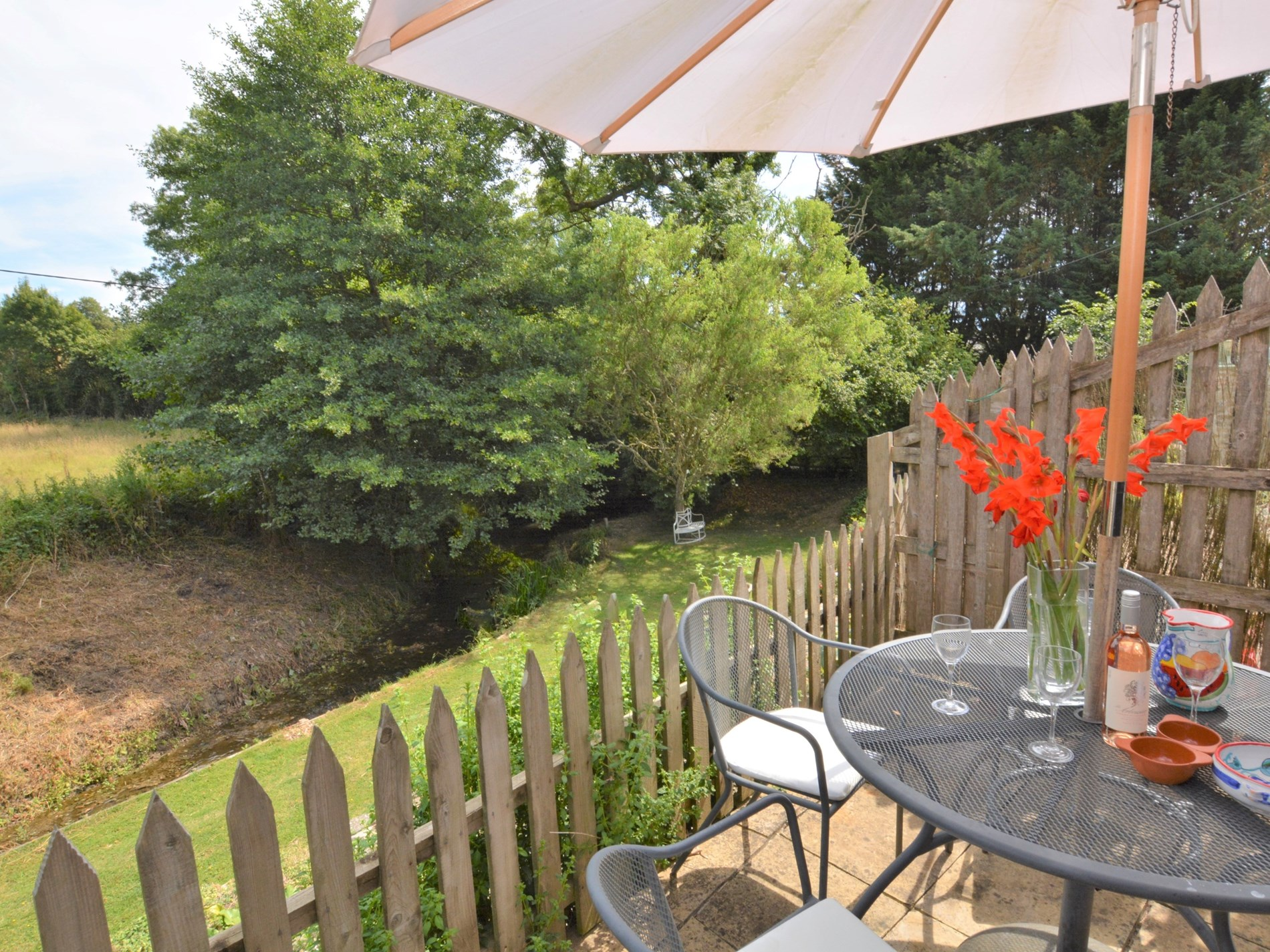 2 Bedroom Cottage in Sherborne, Dorset and Somerset