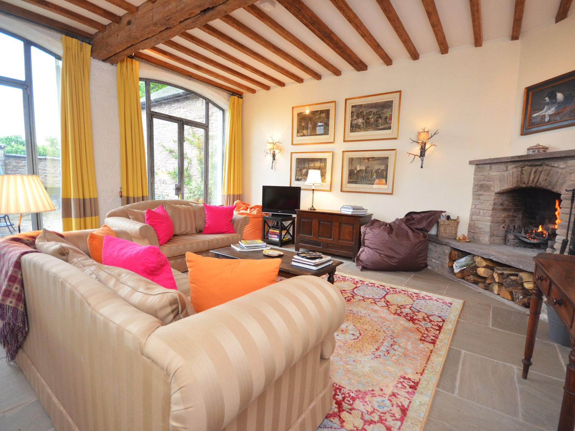 3 Bedroom Barn in Mid Wales, Pembrokeshire and the South