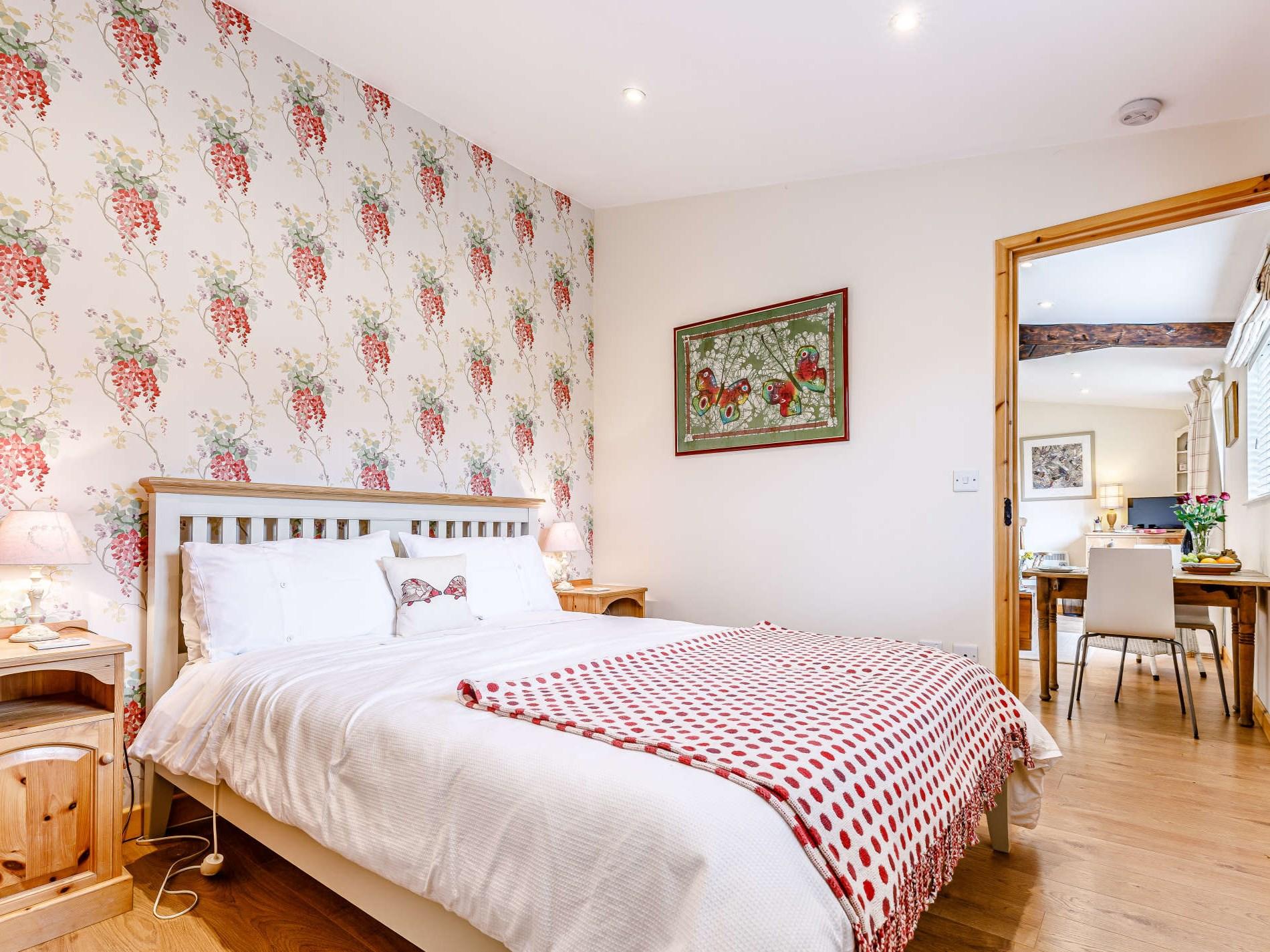 1 Bedroom Cottage in Tewkesbury, Heart of England