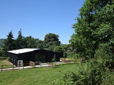 Old Henhouse Retreat (54129)