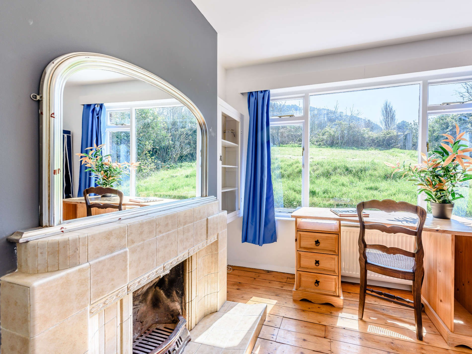 6 Bedroom House in Sussex, South of England