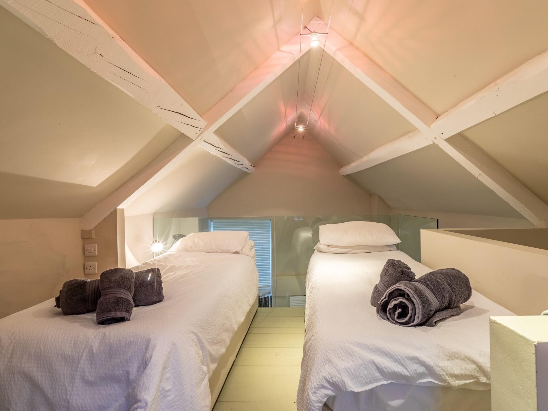 3 Bedroom Cottage in Moreton -in- Marsh, Heart of England