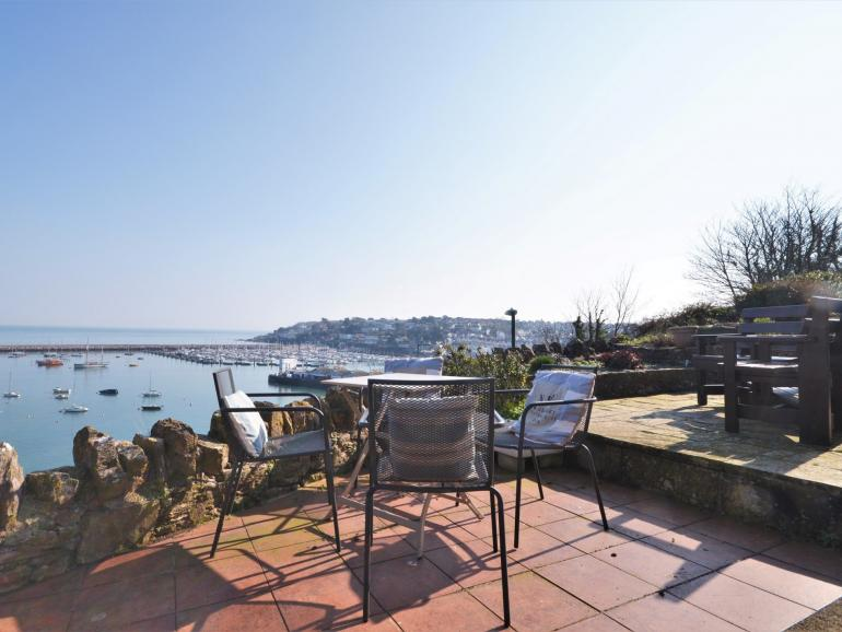 Perfect elevated position overlooking the harbour