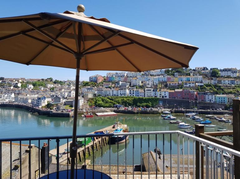 Dine alfresco whilst looking over the harbour