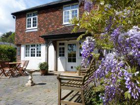 Wisteria Cottage - Staplecross (55189)